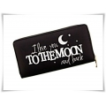 New Rebels - Hippe Grote Portemonnee - I Love you to the Moon and Back  - 19 x 11 cm - zwart of wit